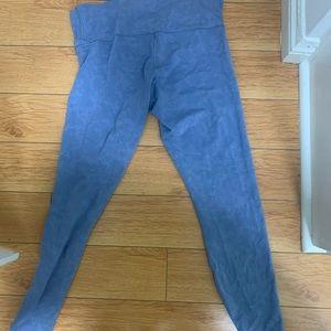 Lululemon cloud soft leggings size 12
